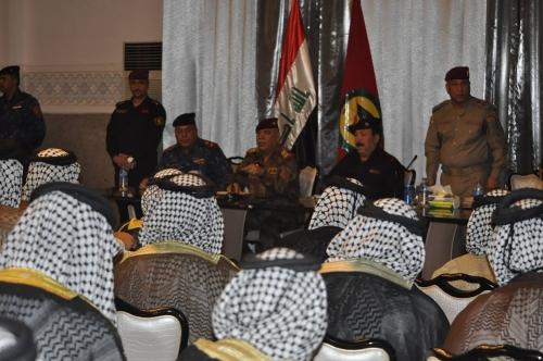 عمليات بغداد تبحث سبل تعزيز التعاون مع القوات الأمنية ودعمها مع شيوخ العشائر