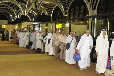 انطلاق أول قوافل الحجيج العراقيين من مطار بغداد الدولي الى الديار المقدسة