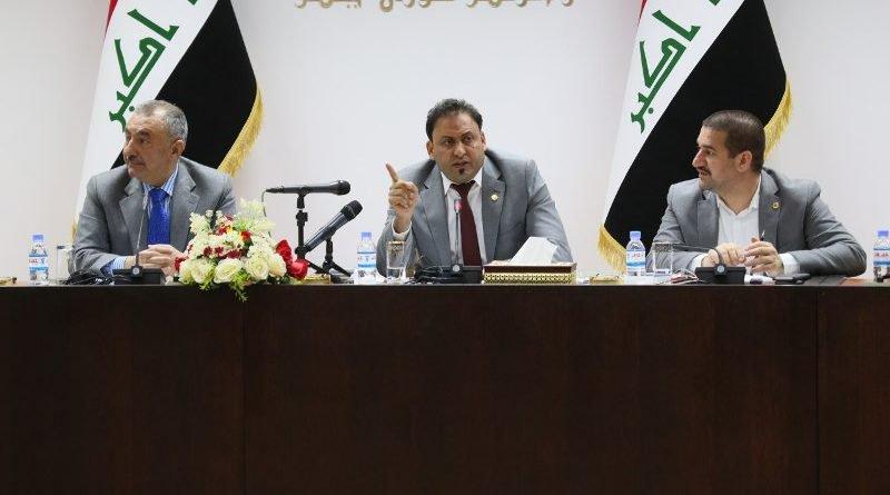 خلاف يتفجر وحِدة بالكلام بين نائب رئيس البرلمان ومفوضية الانتخابات