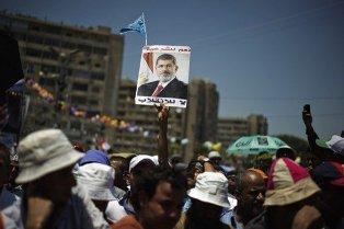 الحكومة المصرية بصدد فض اعتصام رابعة العدوية بشكل تدريجي