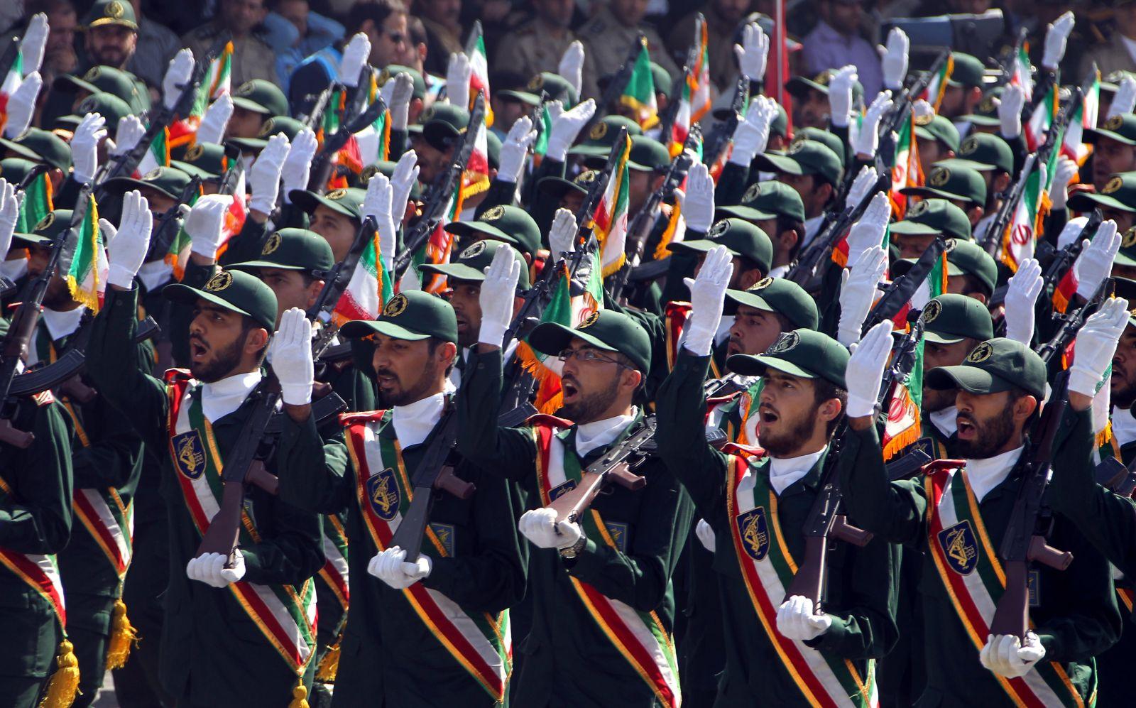 """الحرس الثوري الايراني : """"الاعداء"""" يسعون لقلب نظامنا الجمهوري"""