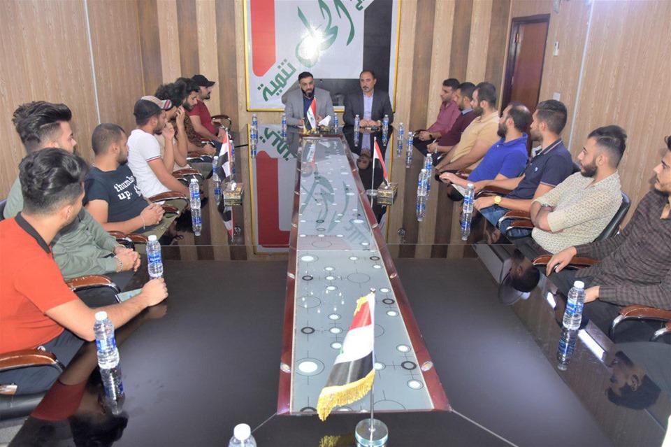 الكربولي يؤكد لشباب حي الجامعة استعداده لتبني أفكارهم والتفاعل معها