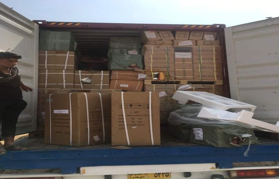 ضبط شاحنة مهربة تحمل أجهزة مختبر ومواد احتياطية من ميناء أم قصر