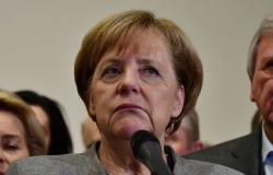ميركل تبدي أسفها عقب انهيار محادثات تشكيل الحكومة الألمانية