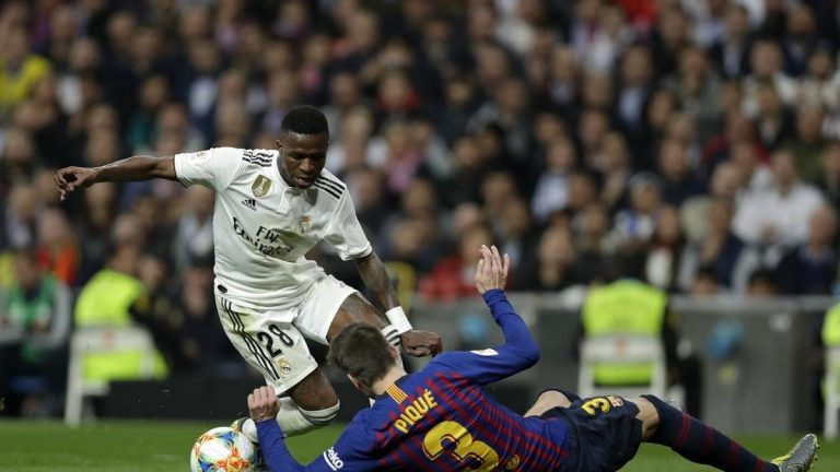 ريال مدريد وبرشلونة يتفقان على موعد مباراة الكلاسيكو
