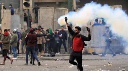 خبير قانوني: استمرار العنف المفرط ضد المتظاهرين سيضع العراق تحت الوصاية الدولية