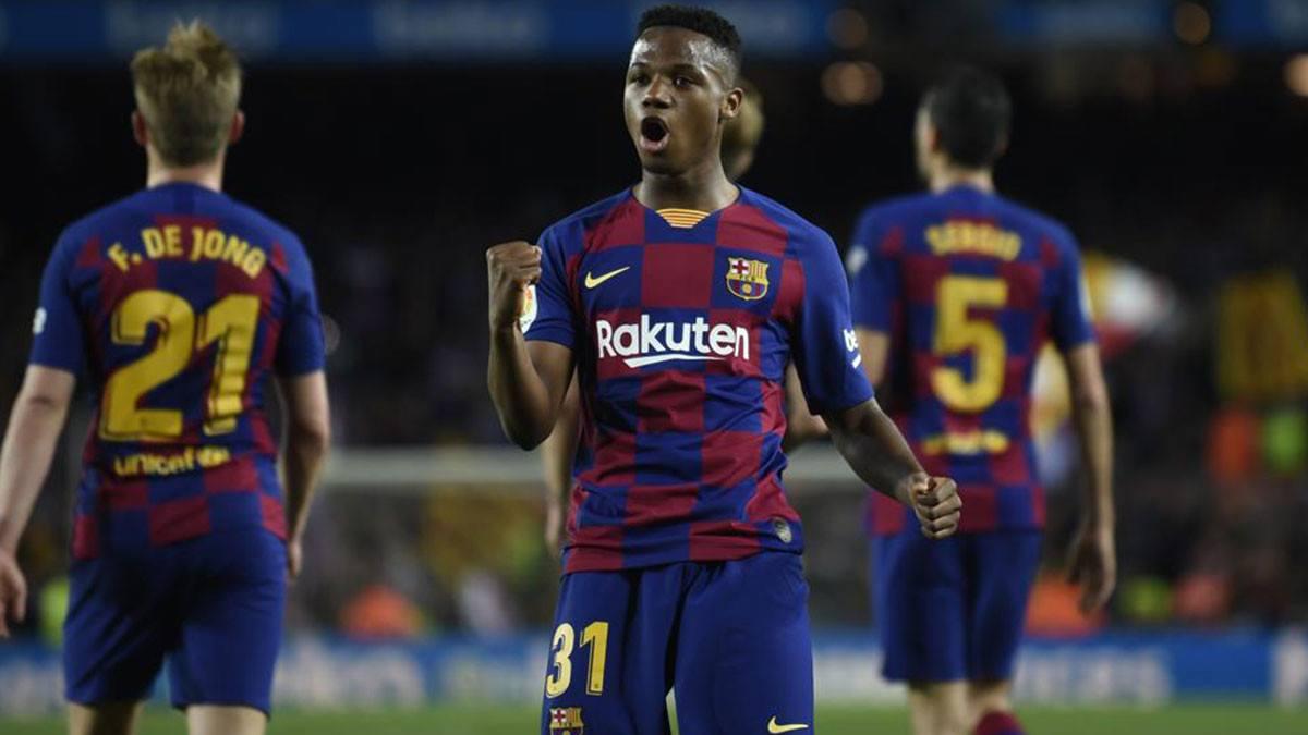برشلونة يربط نجمه بشرط جزائي ضخم