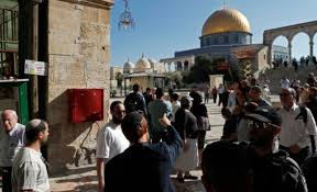 خمسين مستوطنا إسرائيليا يقتحمون باحات المسجد الأقصى