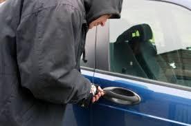 القاء القبض على عصابة لسرقة السيارت في منطقة الشعب