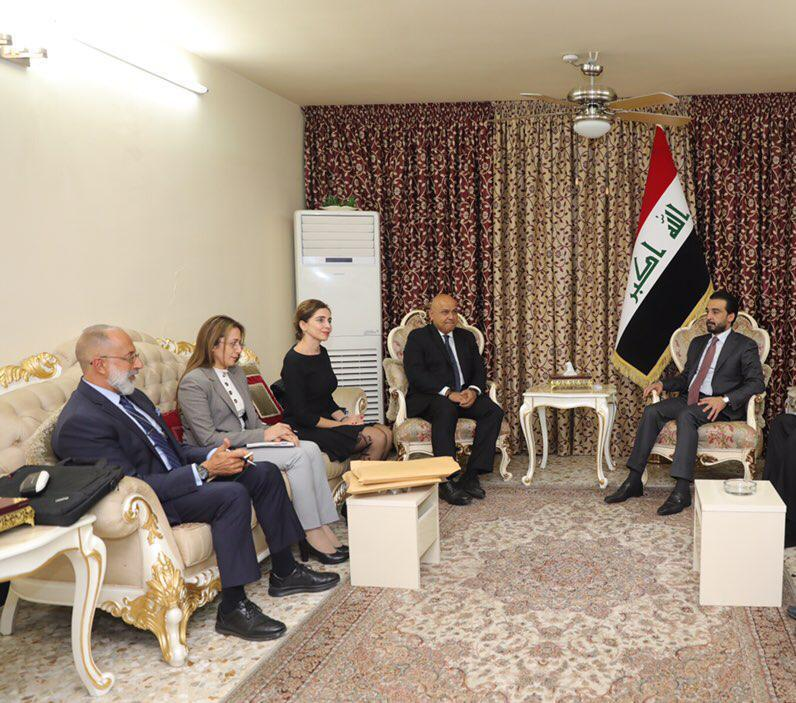 Al Halbusi meets with the Regional Director of the World Bank and discusses with him mechanisms for providing employment opportunities for young people Image