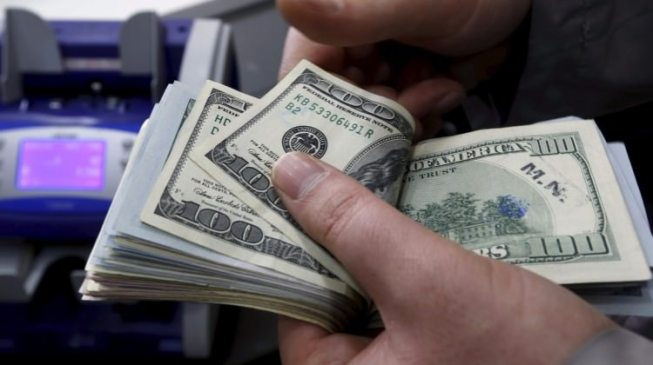 تعرف على اسعار صرف الدولار والتومان والليرة في اسواق بغداد