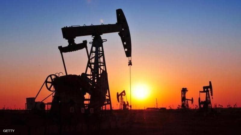النفط مستقر قرب أعلى مستوى في 3 أشهر