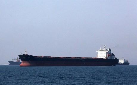 إيران تثمن إفراج السعودية عن ناقلتها النفطية