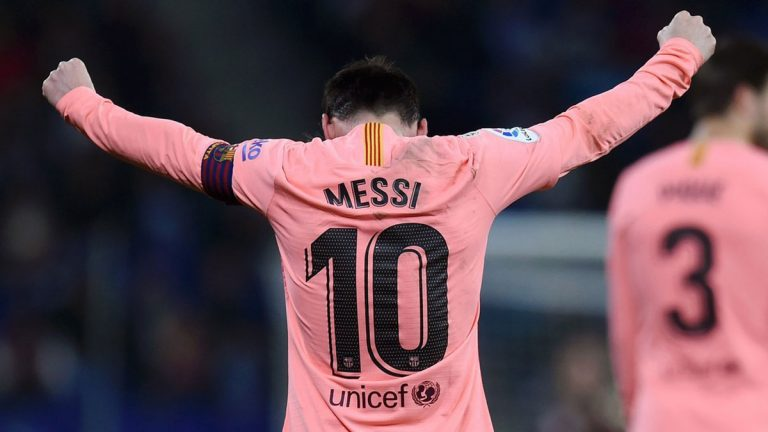 برشلونة يسحق إسبانيول وينفرد بصدارة ترتيب الدوري الإسباني
