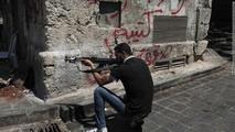 اوكسفام: رفع الحظر الاوروبي عن الاسلحة الى سوريا قد يكون مدمرا