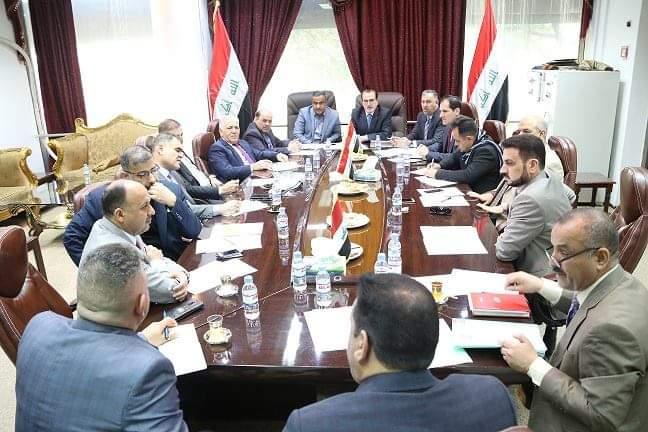 الدفاع النيابية تناقش موضوعات إحالة القادة العسكريين على التقاعد