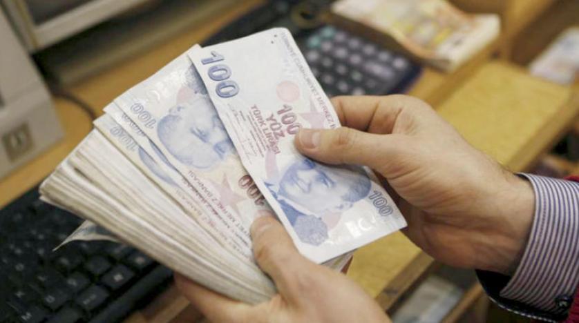 تركيا تخفض توقعات النمو في 2018 و2019 وسط هبوط الليرة