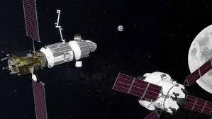 """ملايين """"الرصاصات"""" تهدد الأقمار الصناعية ومحطات الفضاء"""