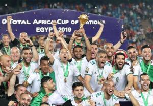 وزير الشباب والرياضة يهنئ منتخب الجزائر لفوزه بكأس أمم افريقيا