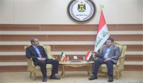 السفير الايراني يلتقي الأعرجي ويؤكد حرص بلاده على امن واستقرار العراق