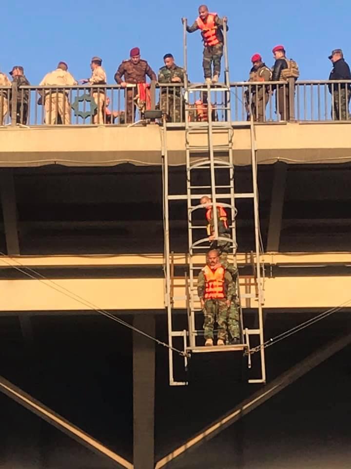 بالصور ..  قفزة الثقة من أعلى جسر 14 رمضان