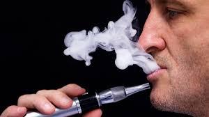 السجائر الإلكترونية تحتوي على نفس المواد المسرطنة الموجودة بالسجائر العادية