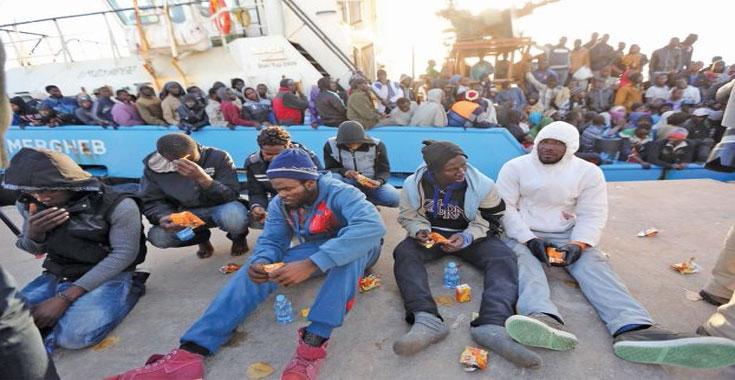 ترحيل 334 مهاجرًا غير شرعى من ليبيا