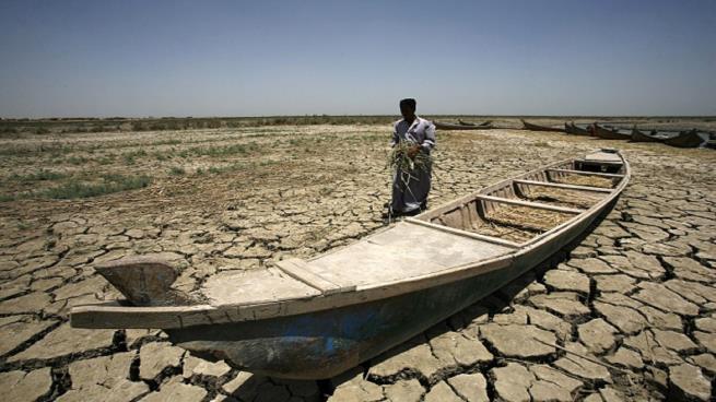 لعدم الاستفادة من الامطار .. دعوة لاقالة وزير الموارد المائية