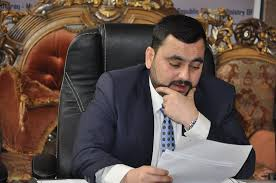 صدور مذكرات قبض وتحري بحق موظفي مكتب وزير الزراعة