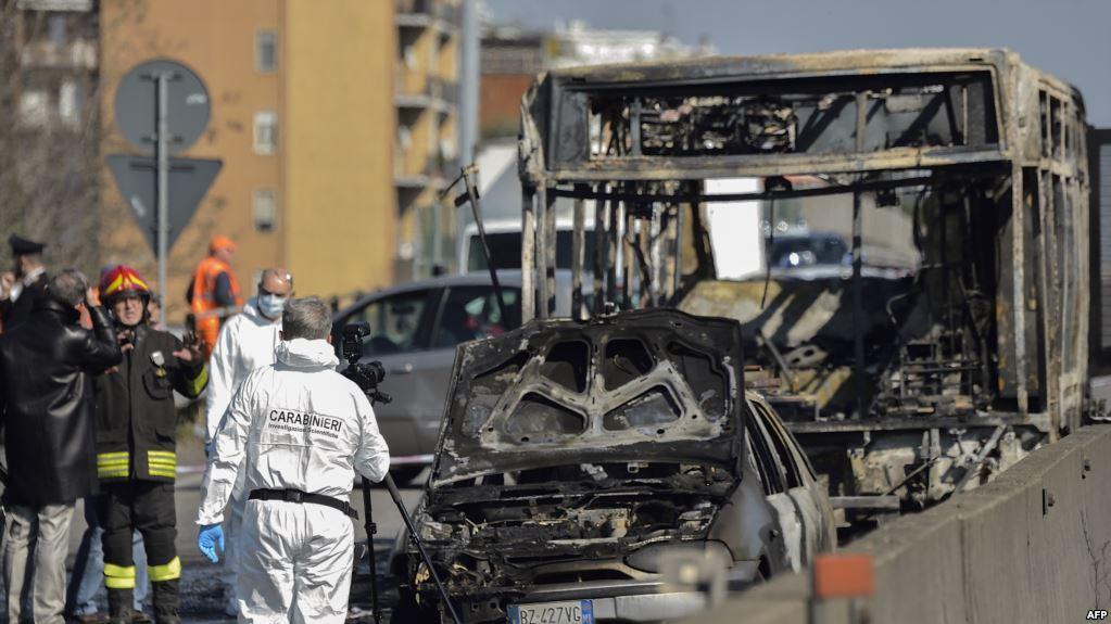 إحباط اعتداء على حافلة في إيطاليا