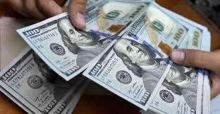 أسعار الدولار تسجل ارتفاعا طفيفا في تداولات اليوم