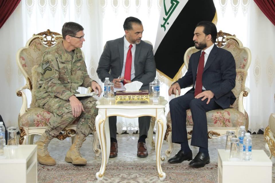 الحلبوسي يبحث مع قائد القيادة المركزية الأميركية تعزيز التعاون الاستخباري