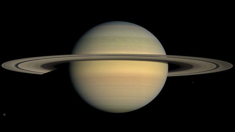 دراسة: بحيرات كثيرة من الميثان السائل على سطح أحد أقمار زحل