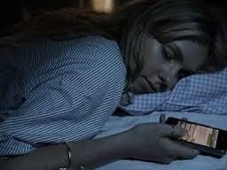 أسباب تجعلك تتوقف عن استخدام الهاتف المحمول ليلا