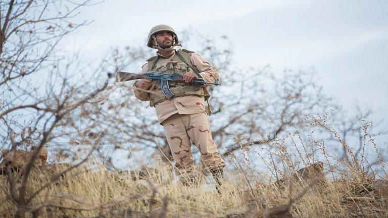 مقتل ضابط إيراني قرب الحدود مع العراق بعد اشتباكات مسلحة عنفية