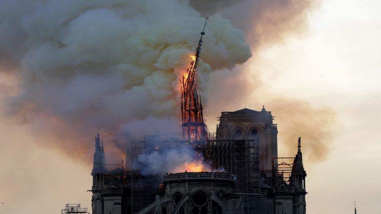 """السلطات الفرنسية تكشف سبب حريق """"كاتدرائية نوتردام"""""""