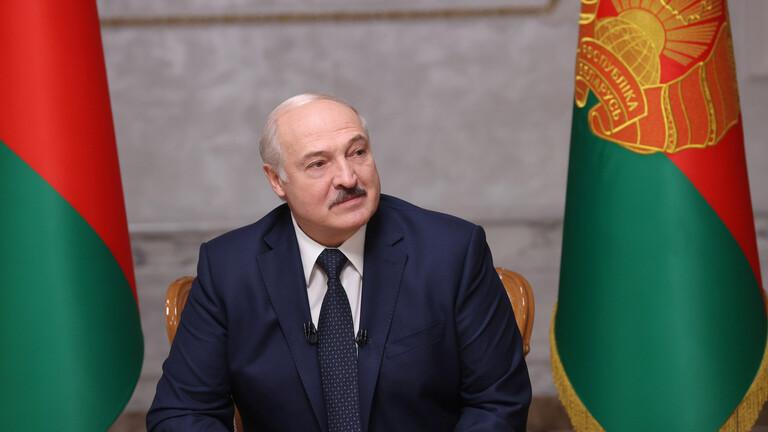 الرئيس البيلاروسي يؤدي اليمين الدستورية لفترة رئاسية جديدة في قصر الاستقلال