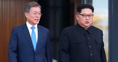 الكوريتان توقعان على بيان مشترك بعد القمة بين كيم ومون