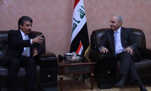 العراق يبحث مع الكويت تطوير العلاقات الثنائية بين البلدين في المجالات الاقتصادية والتجارية