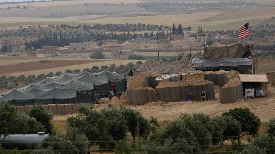أنقرة تهدد بإخراج الوحدات الكردية من منبج بالقوة