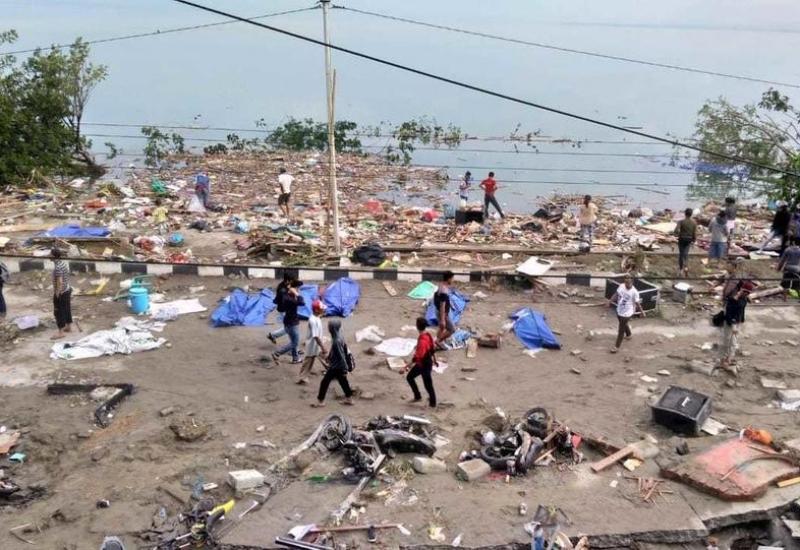 ارتفاع حصيلة ضحايا تسونامى إندونيسيا لـ400 شخصا بعد العثور على جثث جديدة