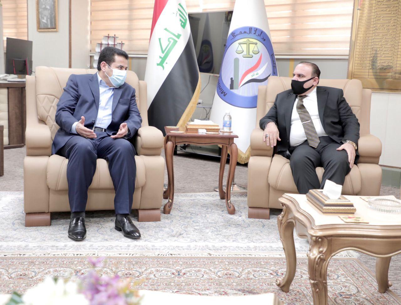 الاعرجي يبحث مع وزير العدل حماية السجون وتعزيزها أمنياً