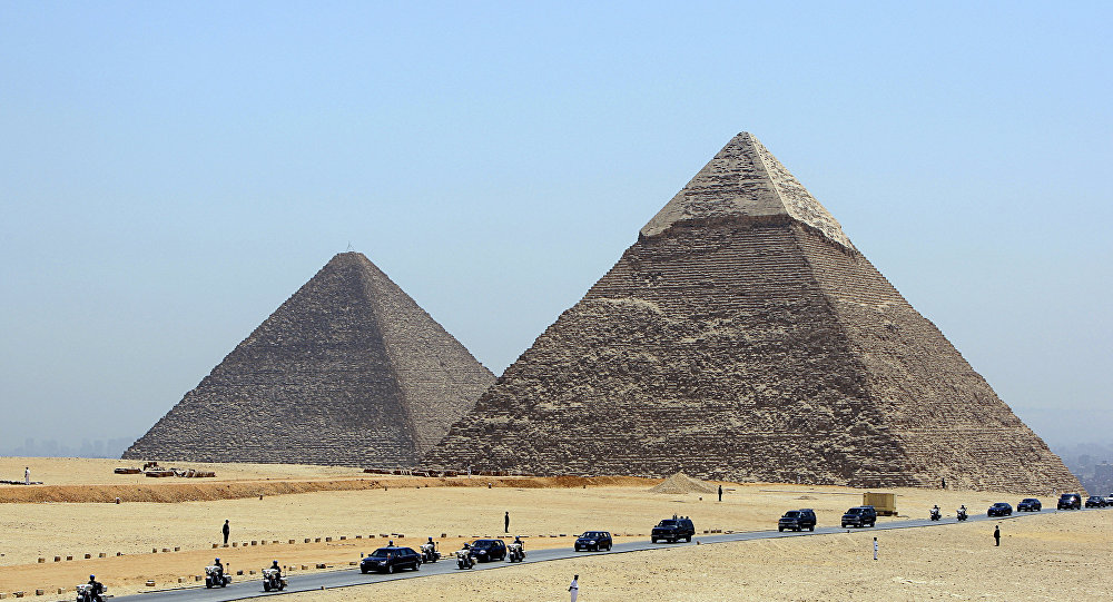 ما هو الرد المصري على تصوير فيديو إباحي فوق هرم ؟