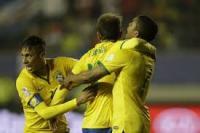 البرازيل تتفوق على بيرو بثنائية