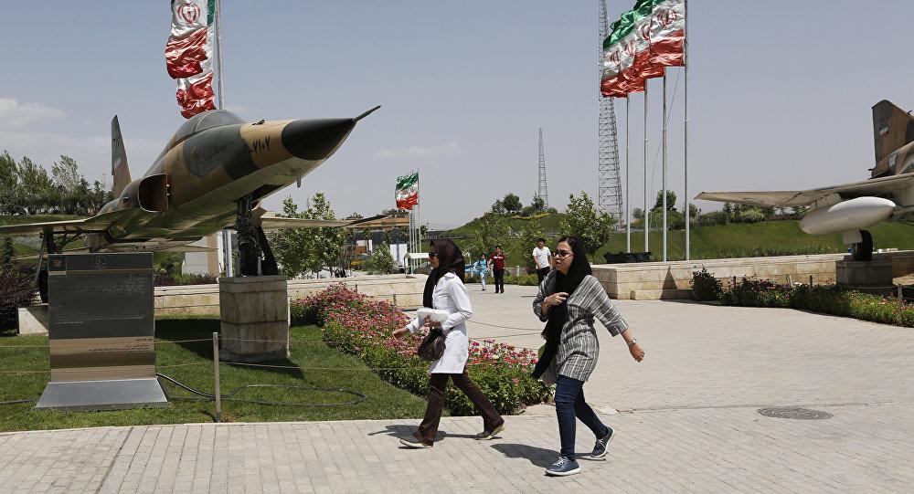 """إيران تبدأ تصنيع مقاتلة أسمها """"كوثر"""" على نطاق واسع"""