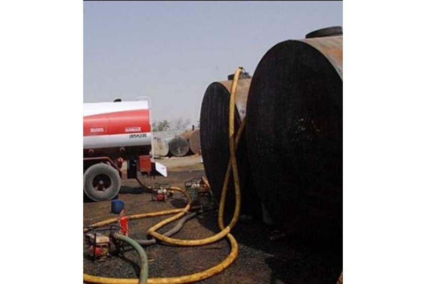 """الاطاحة بـ""""وكر سري""""  لتهريب النفط بهذه المنطقة في بغداد"""