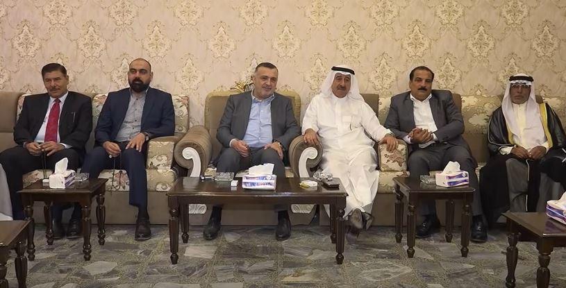 بالفيديو ..  رئيس حزب الحل يصل الى الرمادي ويلتقي بشيوخها