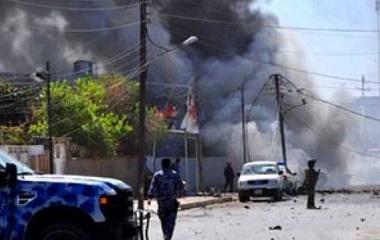 انفجار عبوة ناسفة تستهدف سيارة يستقلها قيادي في الحشد العشائري في بعقوبة