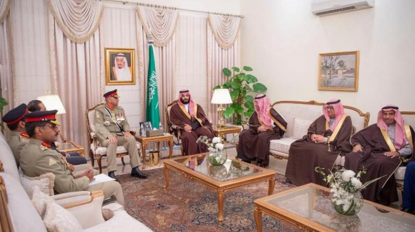 بن سلمان يبحث مع قائد الجيش الباكستاني ورئيس مجلس الشيوخ التعاون في المجالات الدفاعية