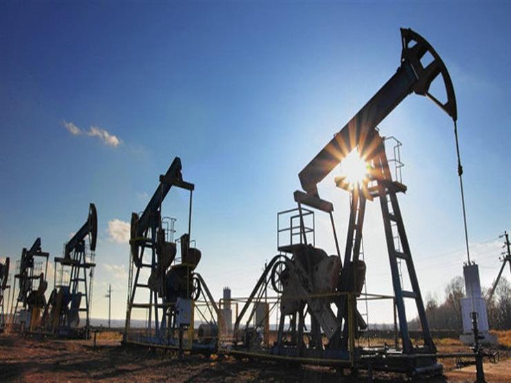 النفط يرتفع وسط عراقيل في إمدادات فنزويلا